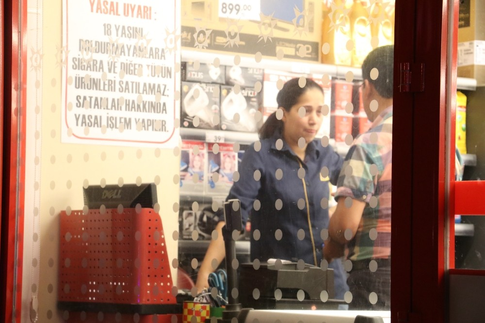 Antalya'da bıçaklı market soygunu