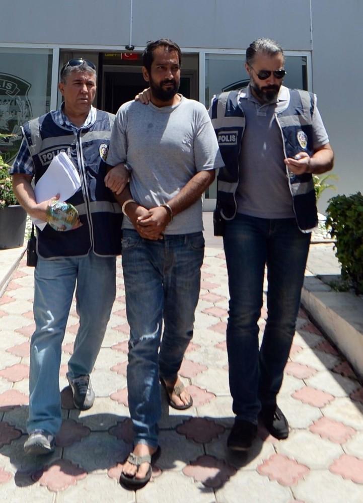 Antalya'da market gaspçısı yakalandı