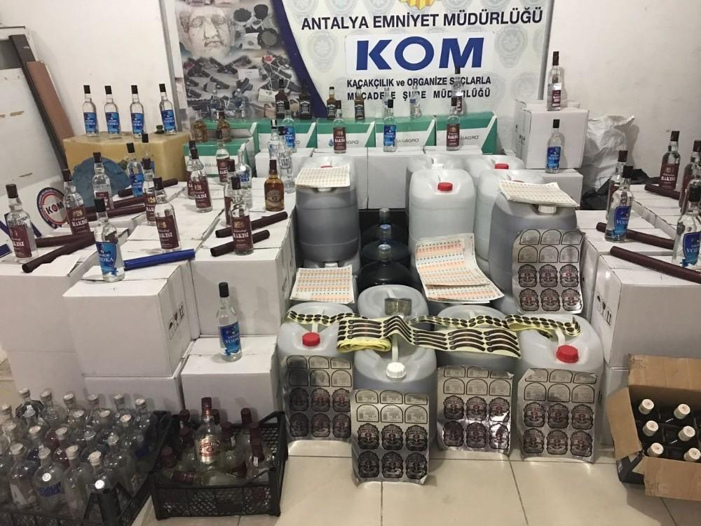 Antalya'da sahte içki imalatına baskın