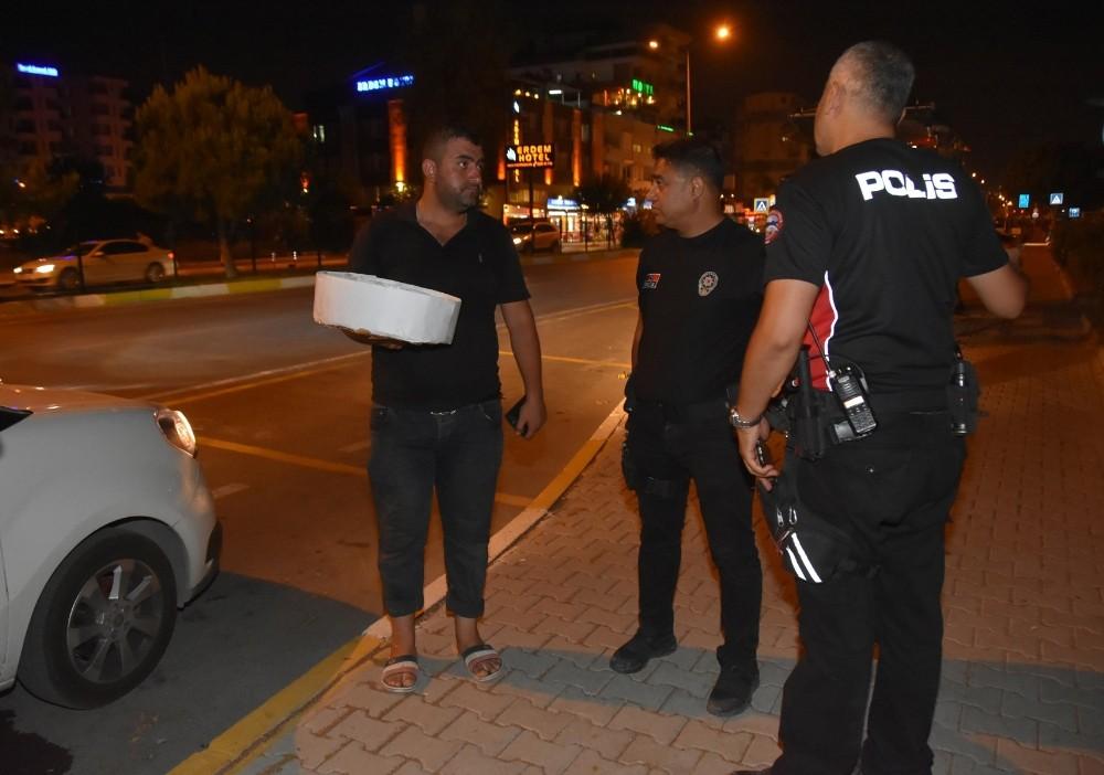 Antalya'da seyyar satıcılara operasyon