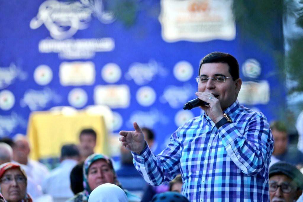 Hakan Tütüncü mahalle iftarlarına devam ediyor.
