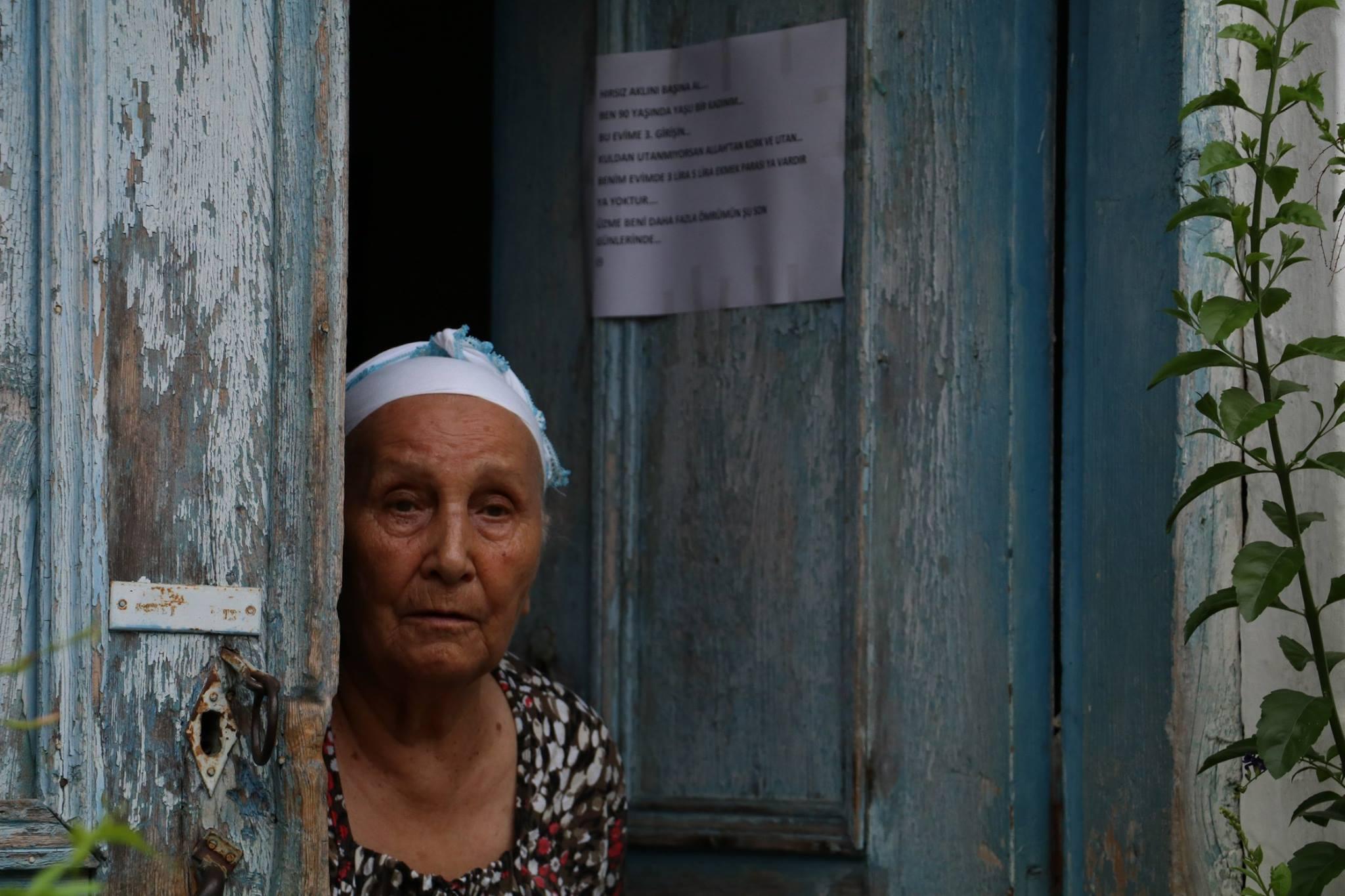 Antalya'da 87 yaşındaki nineden hırsıza ibretlik not