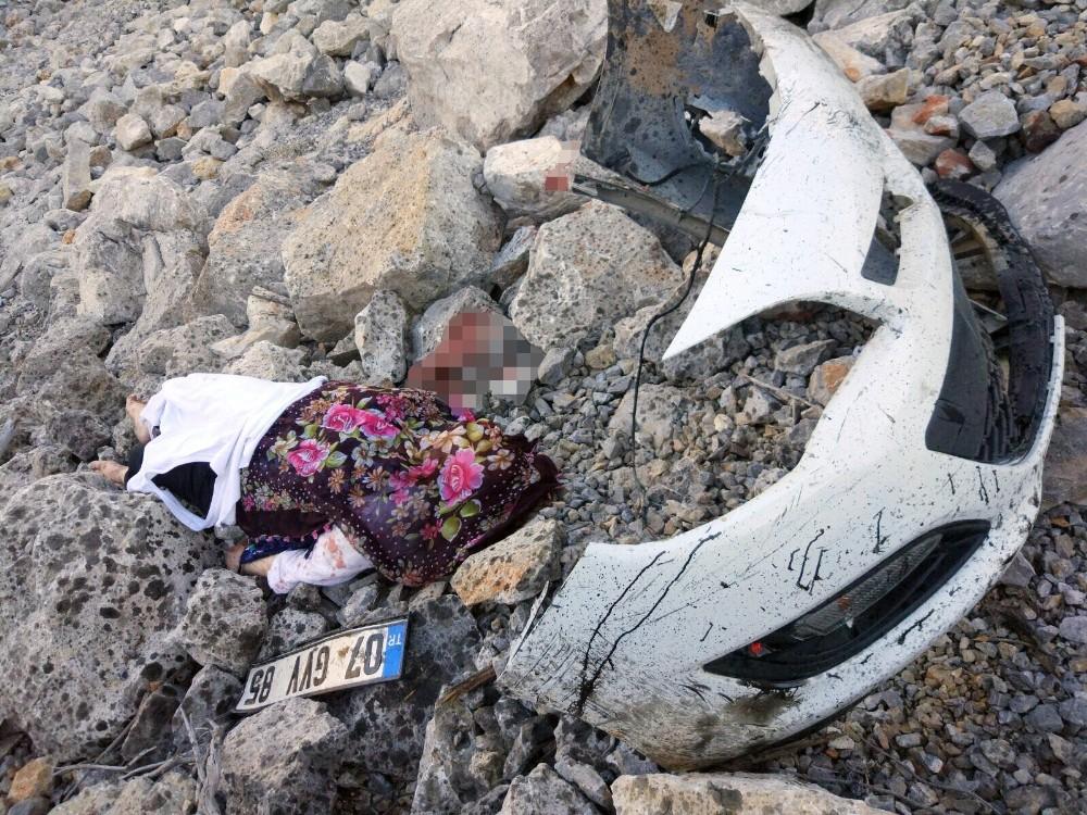 Alacabel'de tatil dönüşü kaza: 2 ölü, 2 yaralı