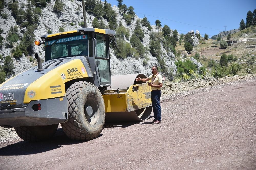 Alanya Belediyesi'nden yayla yollarına asfalt