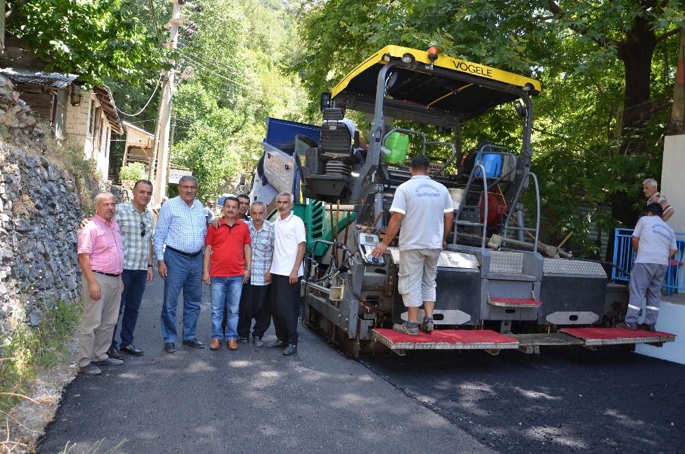 Alanya Mahmutseydi'de sıcak asfalt sevinci