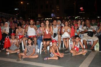 Alanya'da binler, 'Demokrasi' nöbetinde
