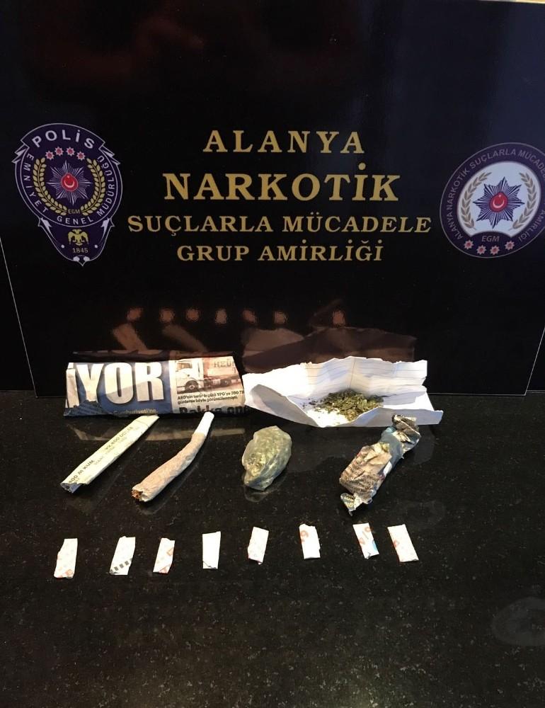 Alanya'da uyuşturucu satışına 2 tutuklama