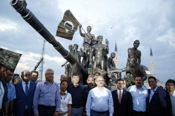 Kepez'de 15 Temmuz Demokrasi Anıtı'na yoğun ilgi