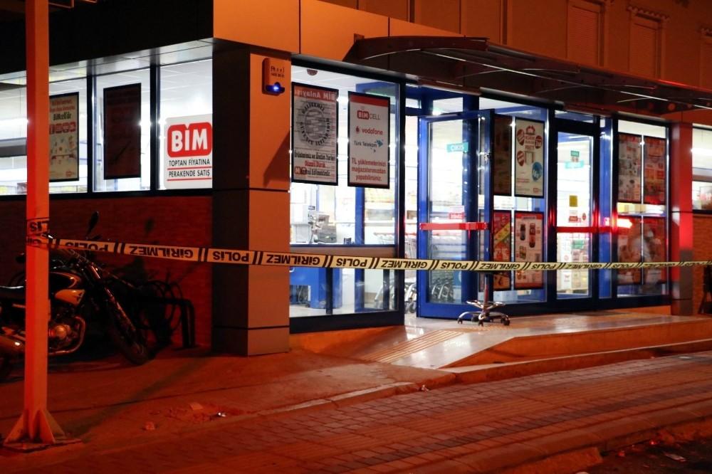 Antalya'da alışveriş merkezinde silahlı soygun