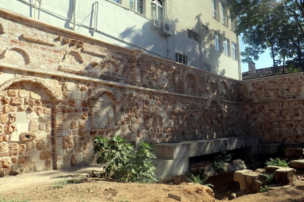 Antalya'da kaçak antik tiyatro kazısı iddiası