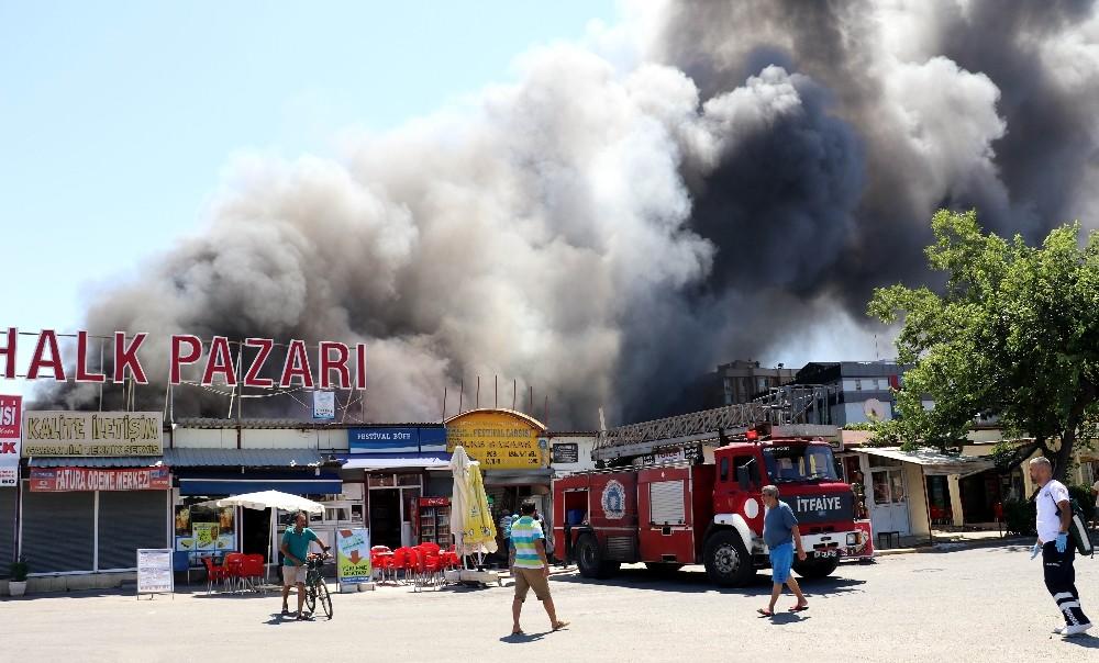 Antalya'daki yangında 150'ye yakın dükkan zarar gördü