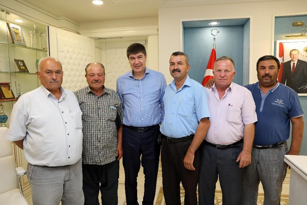 Başkan Türel, gününü muhtarların taleplerine ayırdı