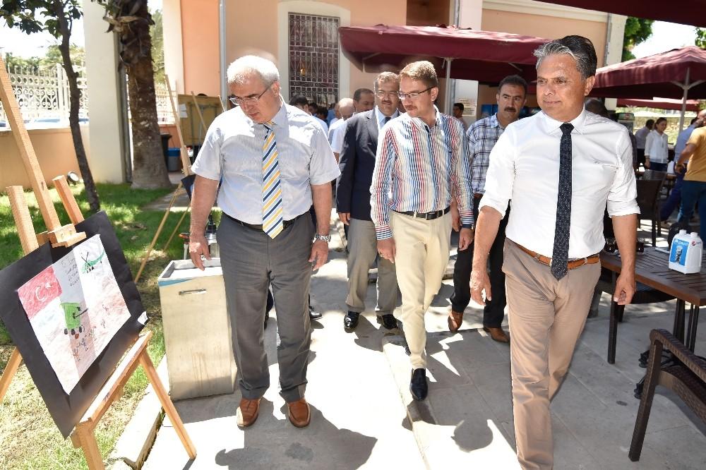 Başkan Uysal, 15 Temmuz sergisinin açılışına katıldı