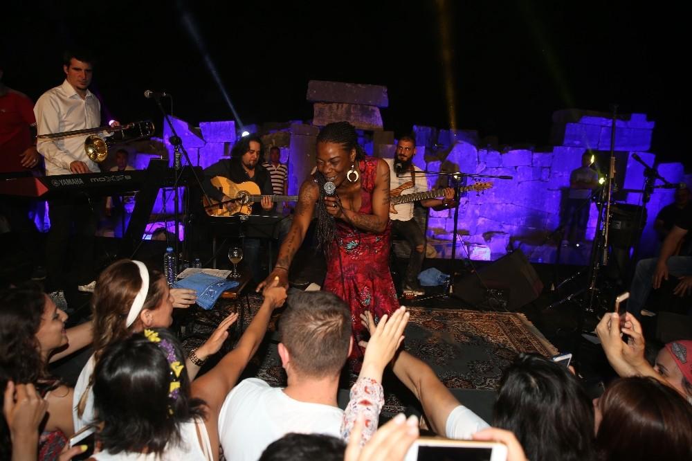 Buika'dan ay ışığında muhteşem konser