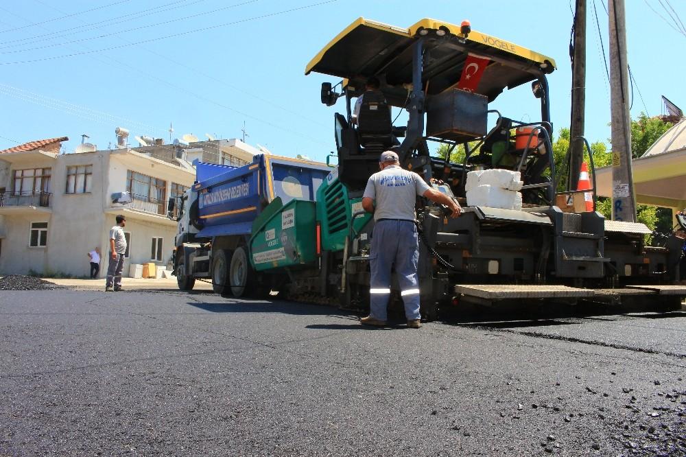 Kumluca'da sıcak asfalt çalışması