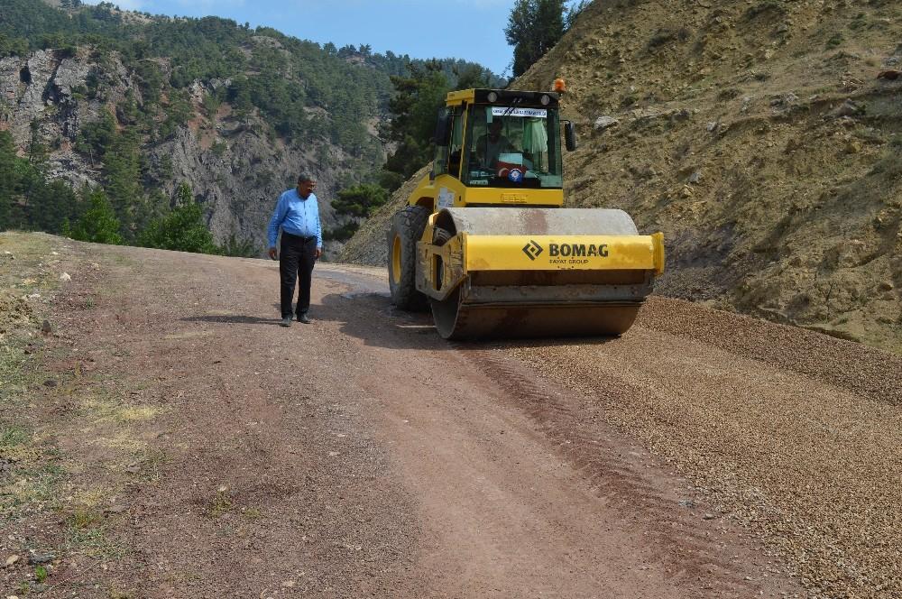 Dereköy ve Büyükalan grup yolu yenileniyor