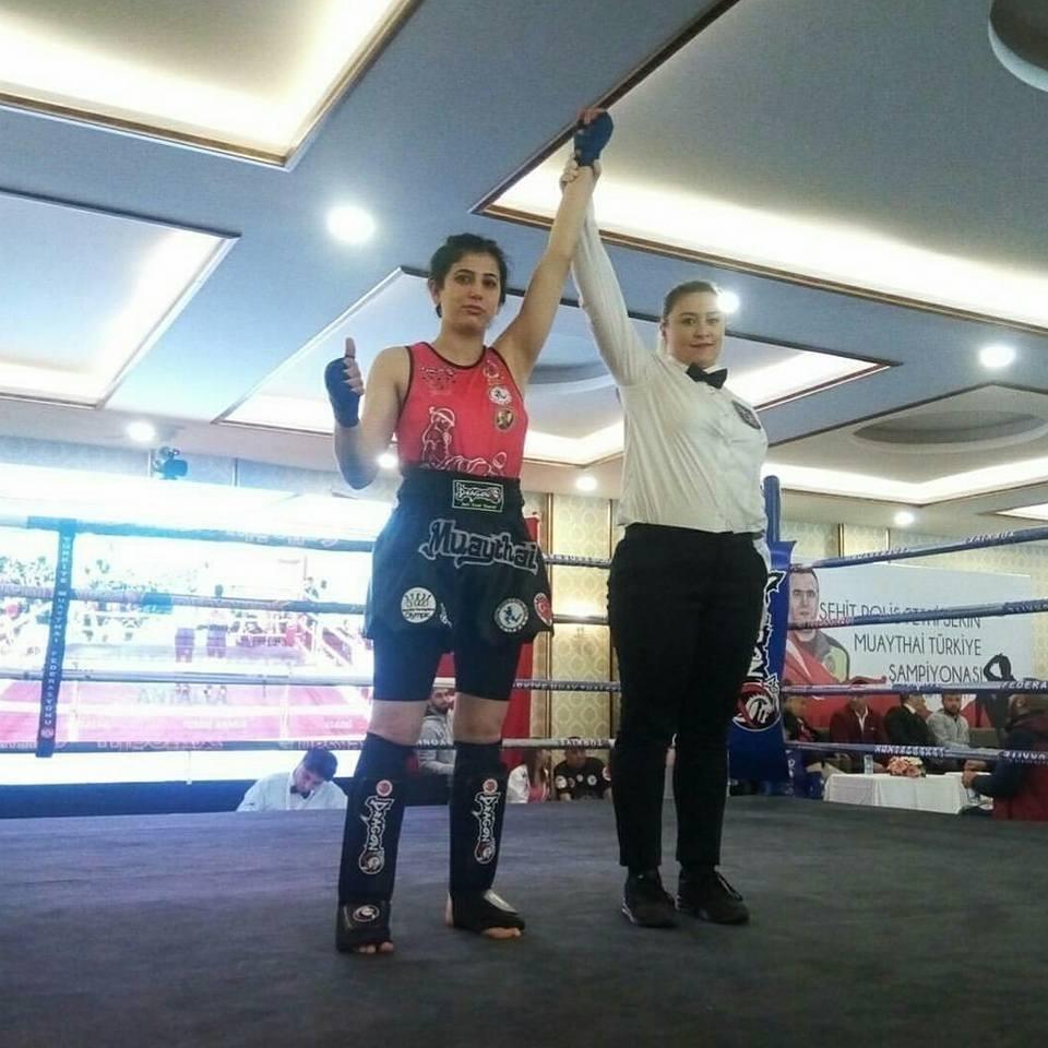 Döşemealtılı sporcu Kick Boks Şampiyonası'ndan madalya ile döndü
