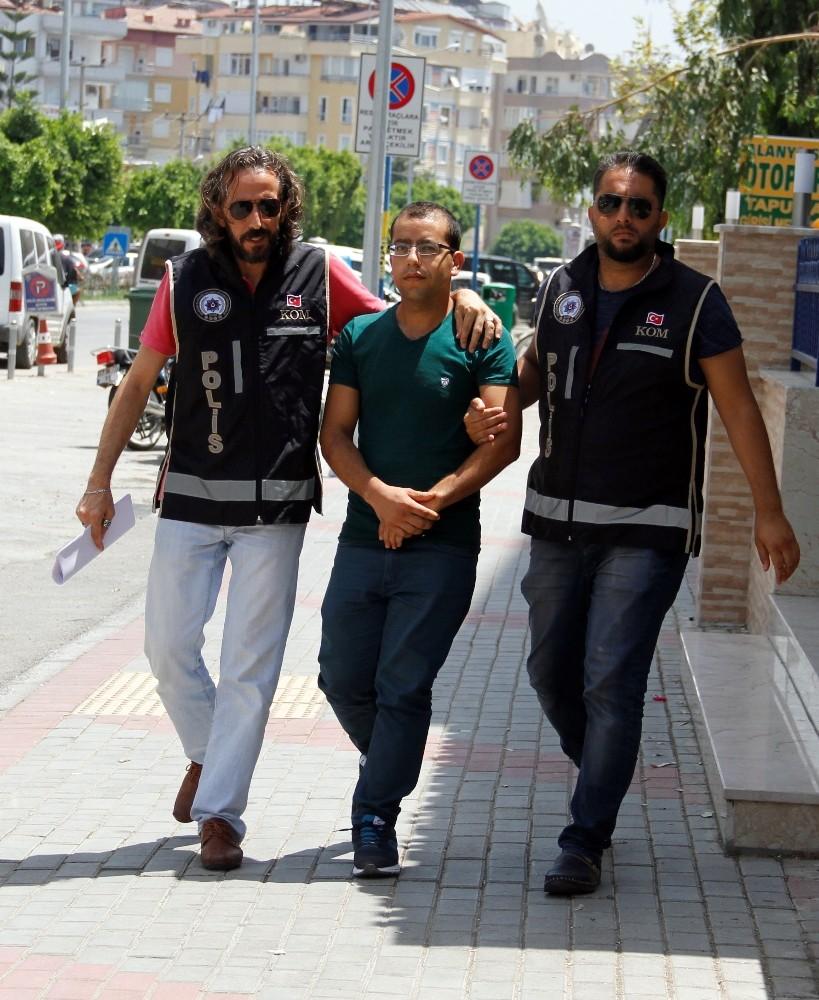 FETÖ'den aranan öğrenci Alanya'da yakalandı