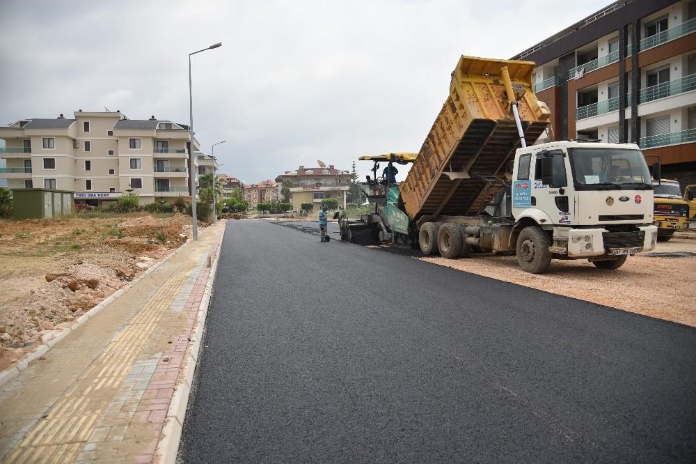 Hastane çevresine sıcak asfalt