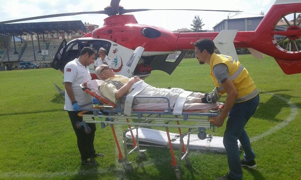 Hava ambulansı kalp rahatsızlığı geçiren yaşlı adam için havalandı