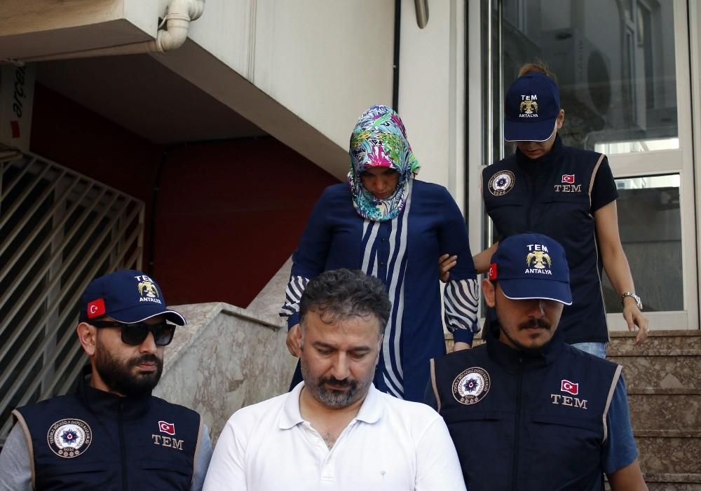 Eşi ile Antalya'da yakalandı