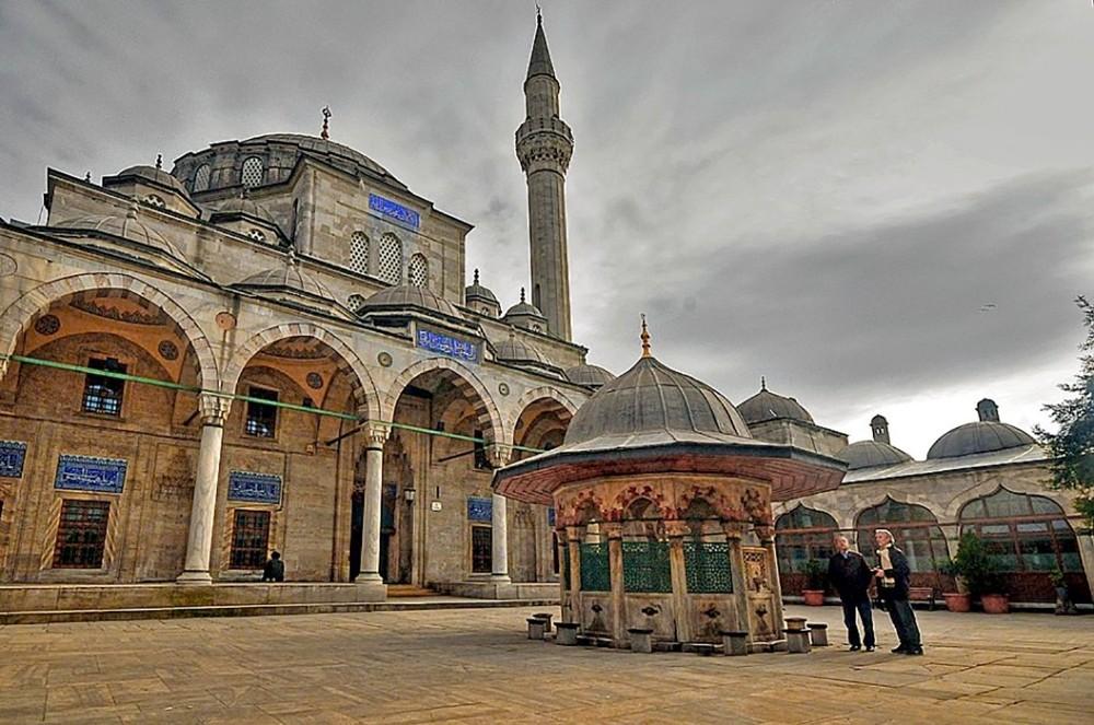 Kepez'in camileri de dönüşüyor