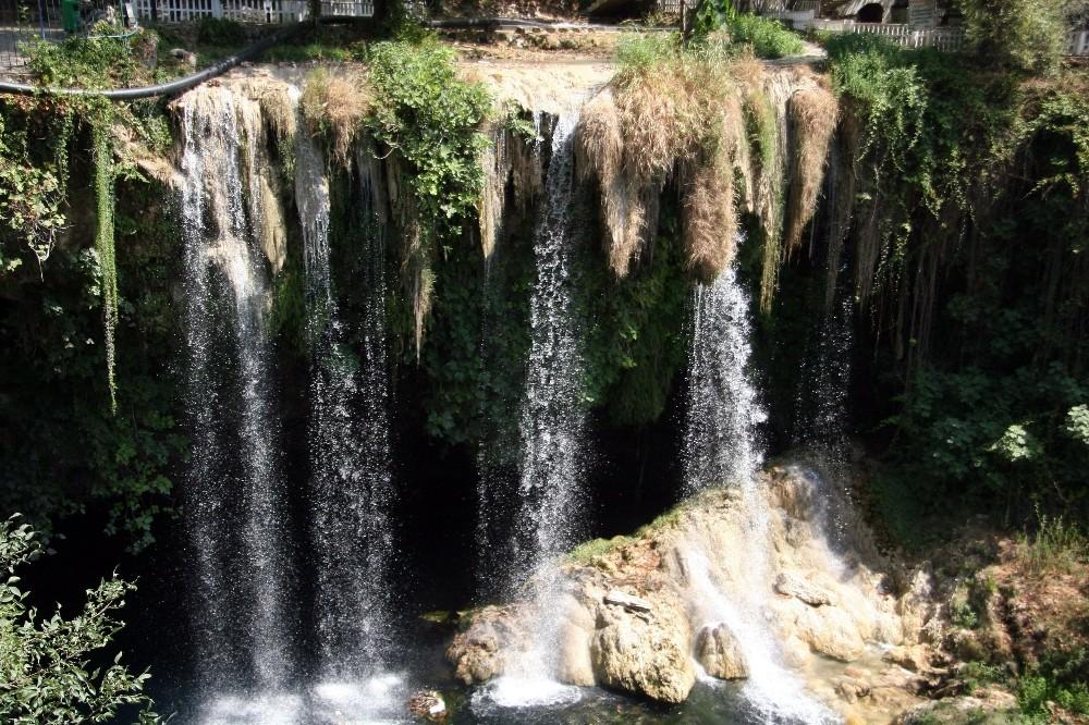 Kuruyan Düden Şelalesi suya kavuştu