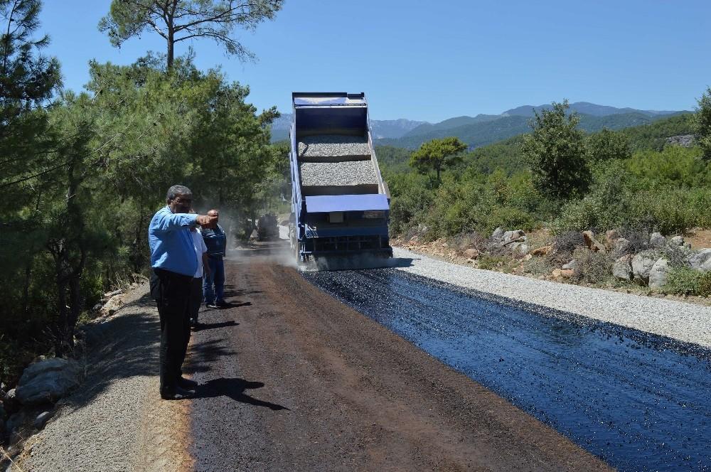 Manavgat Düzağaç'ta asfalt çalışmaları başladı