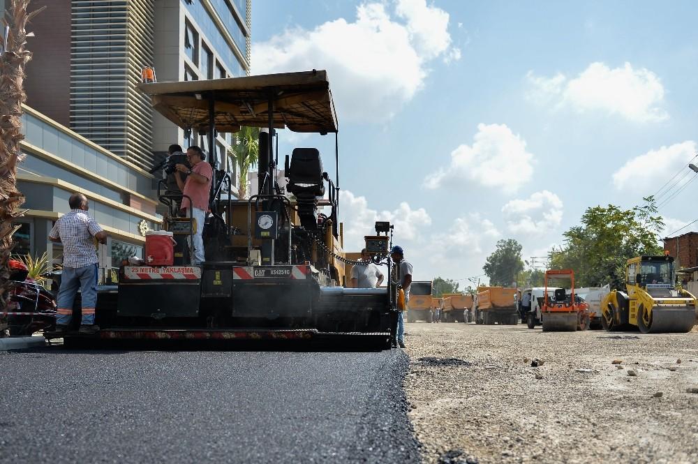 Muratpaşa Belediyesi'nden Kızıltoprak'a sıfır asfalt