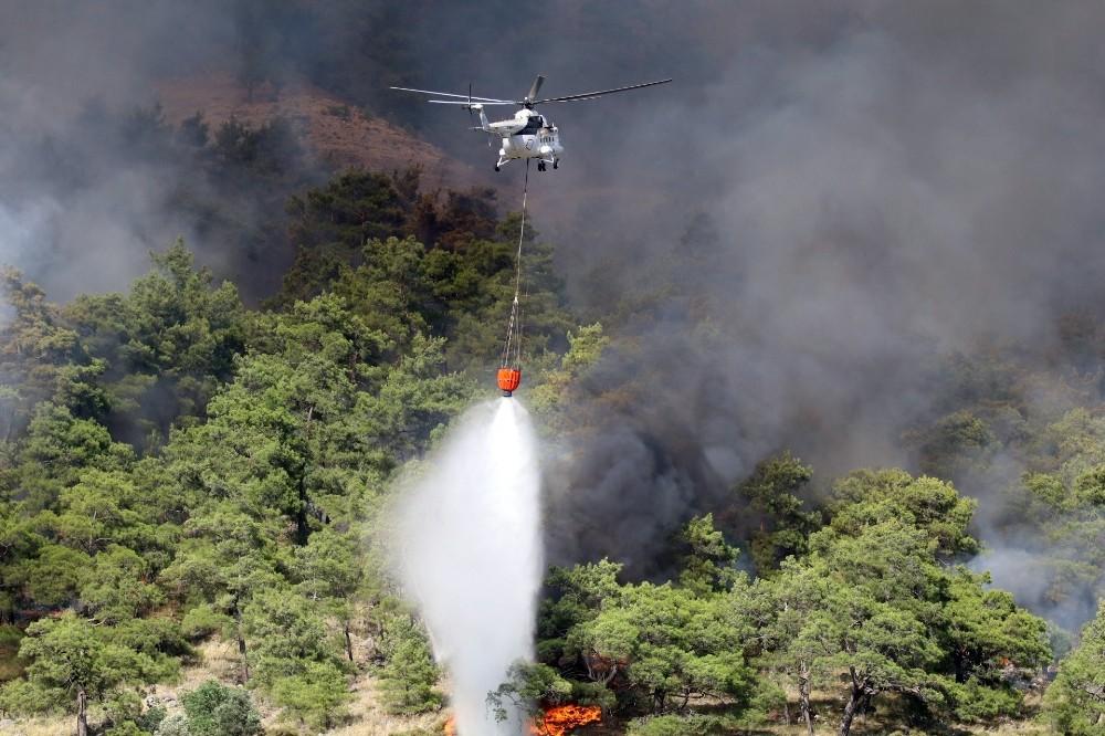 Otobüsten ormana sıçrayan yangın kontrol altına alındı