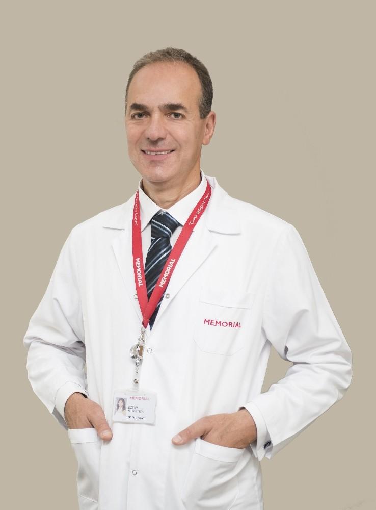 Prof. Dr. Şafak, hasta kabulüne başladı