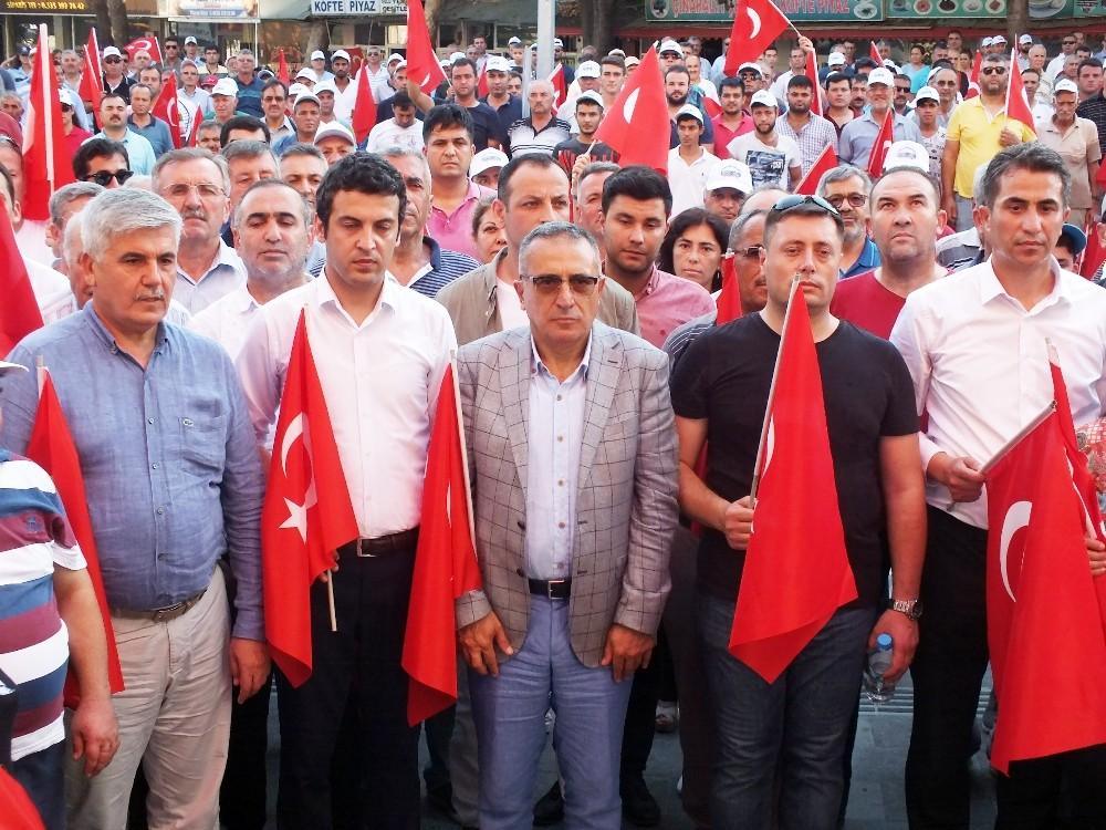 Serik'te 15 Temmuz Yürüyüşü yapıldı