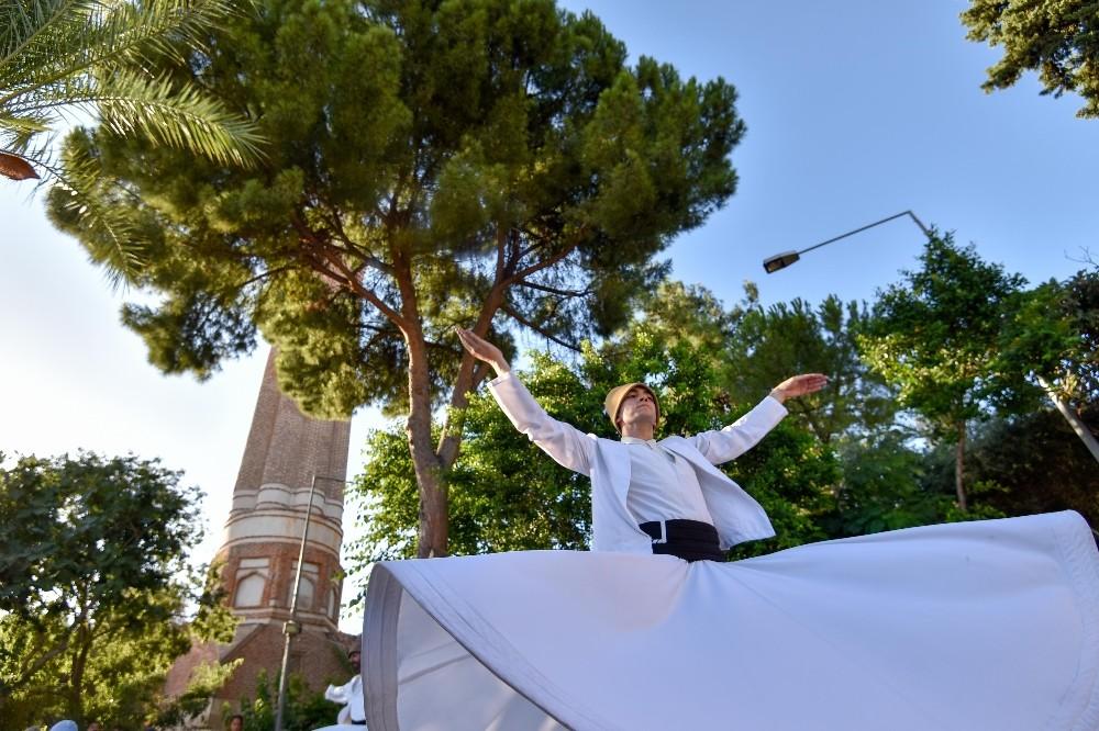 Yivli Minare'de 'Turkuaz Dinletiler'