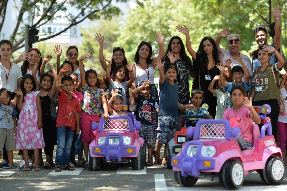 Zeytinköy'ün çocukları Trafik Park'ta