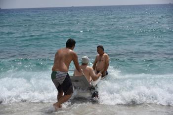 Alanya'da engelli bireylerin deniz keyfi