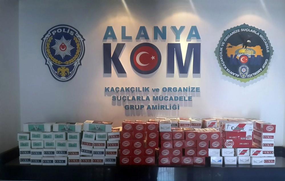 Alanya'da kaçak tütün satıcılarına operasyon