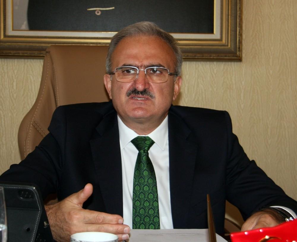 Antalya Valisi Karaloğlu'ndan salgın iddialarına cevap