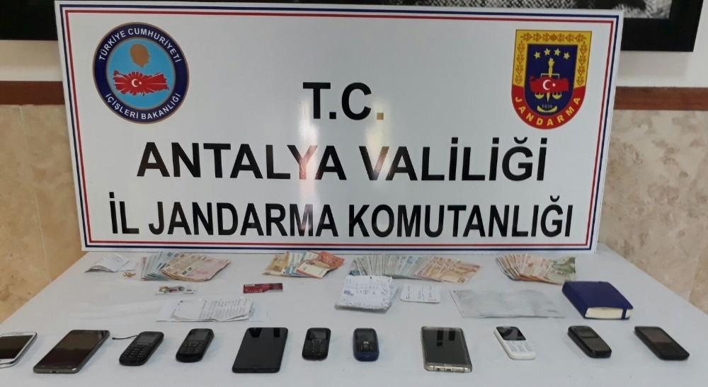Antalya'da jandarmadan fuhuş operasyonu