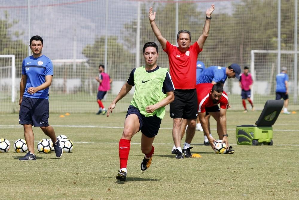 Antalyaspor'da Evkur Yeni Malatyaspor hazırlıkları devam ediyor
