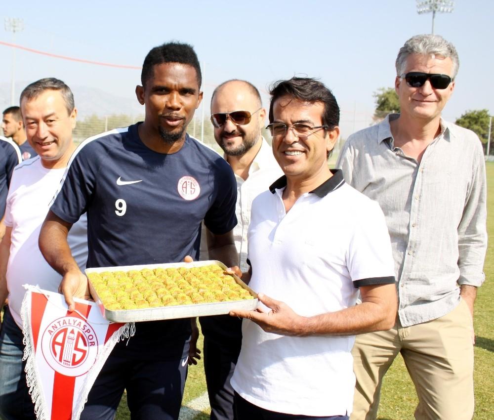 ATB başkanından Antalyaspor'a baklavalı davet
