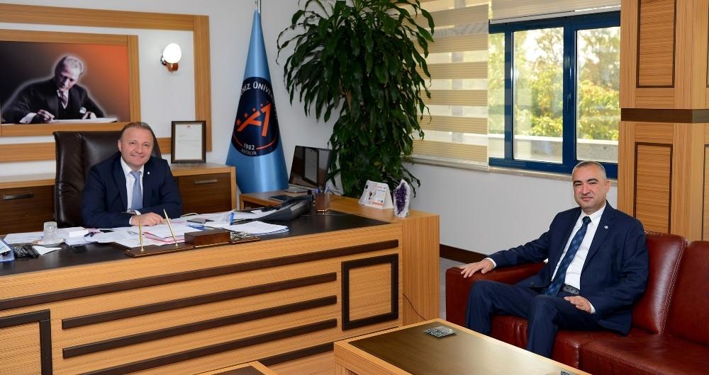 AÜ'de 'Sigortacılık ve Risk Yönetimi Bölümü' açılıyor