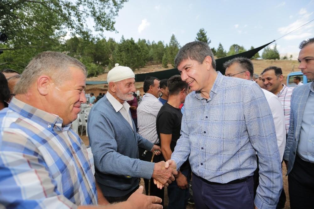 Başkan Türel yayla şenliklerine katıldı