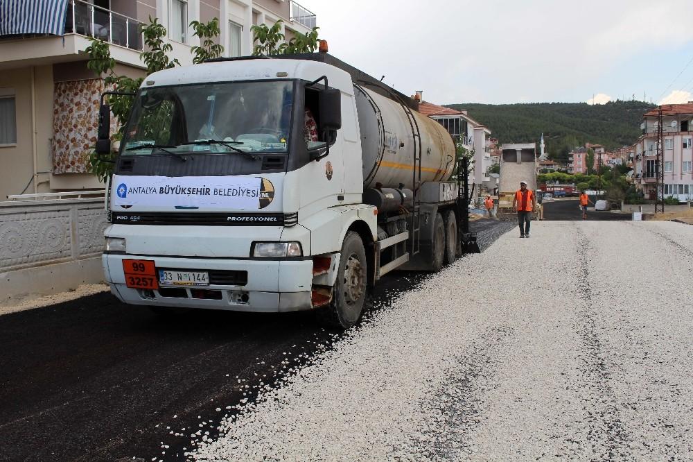 Büyükşehir'den asfalt ve altyapı çalışması