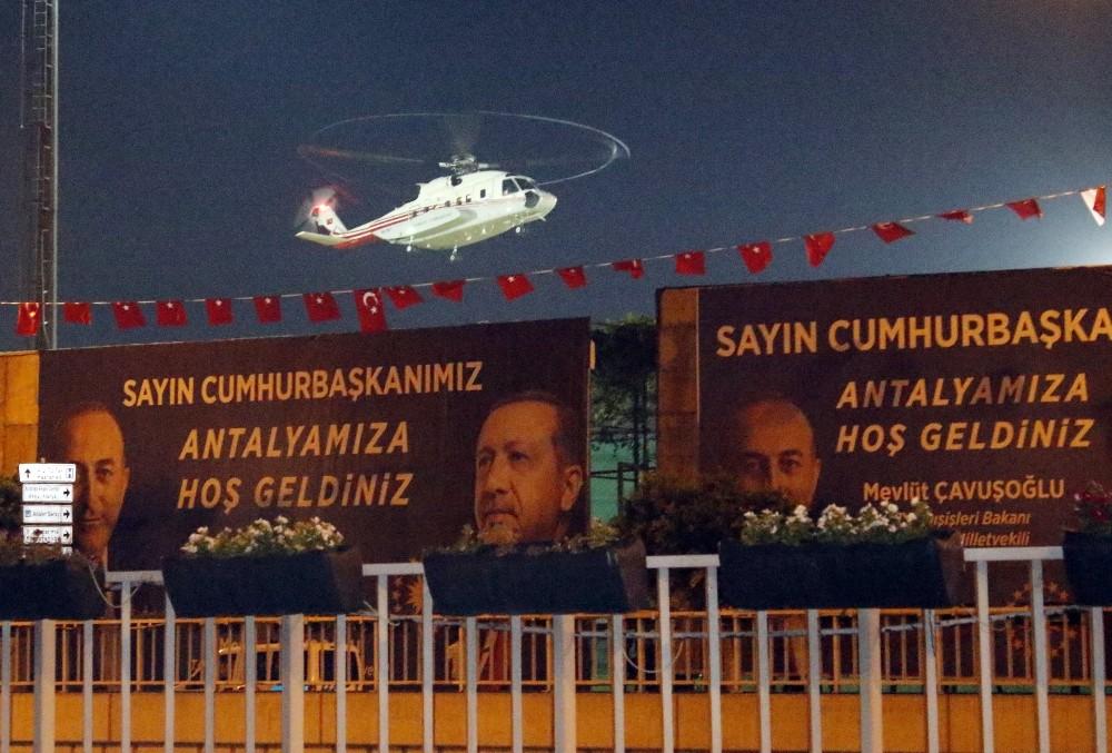 Cumhurbaşkanı Erdoğan, Antalya'da Nur Tatar'ın düğününe katıldı
