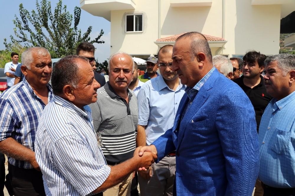 Dışişleri Bakanı Antalya'da taziye ziyaretinde bulundu