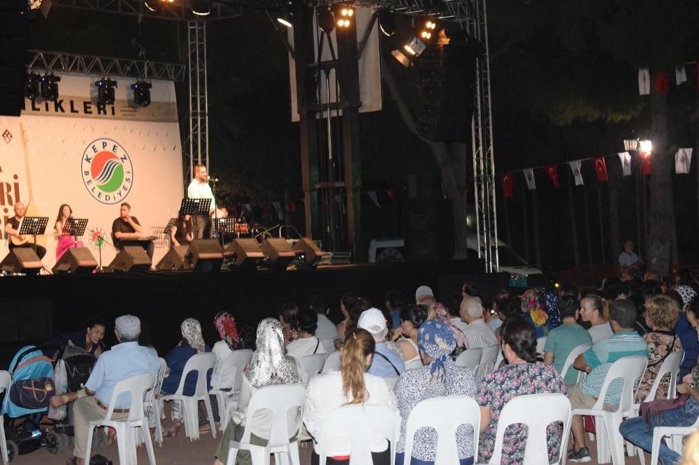Kepez'de Antalya türküleri seslendirildi