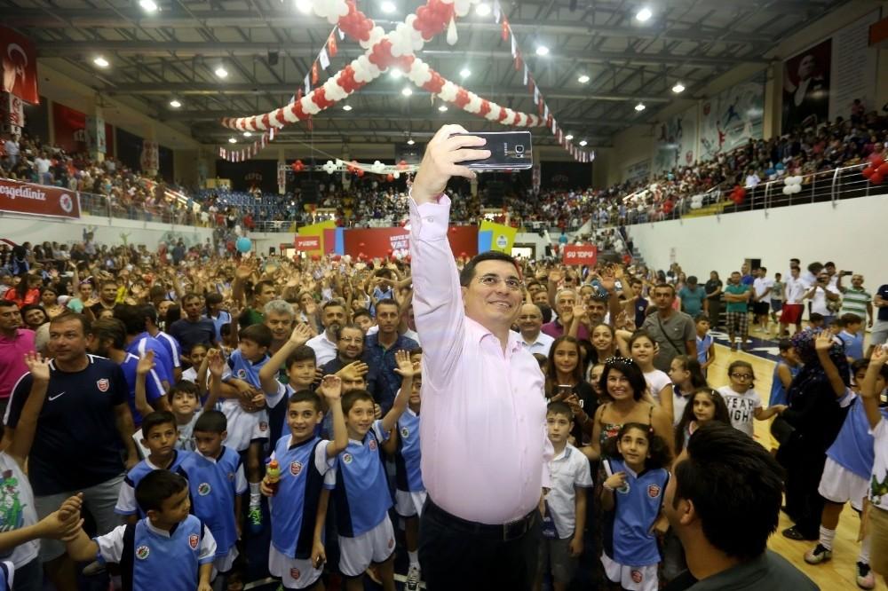 Kepez'in yaz spor okulları törenle sona erdi