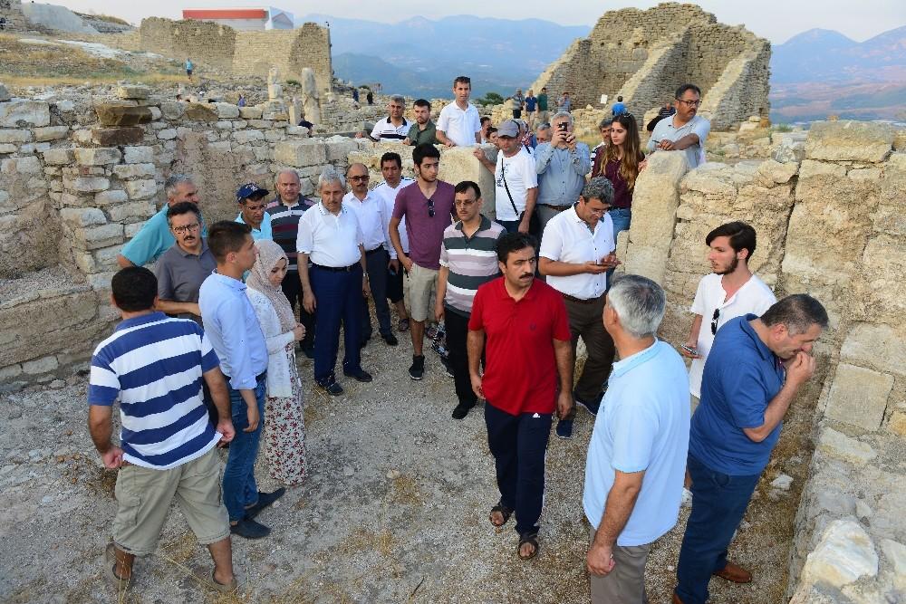Milli Eğitim Müdürleri antik kenti gezdi