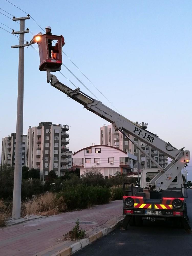 Sokak lambalarına bakım