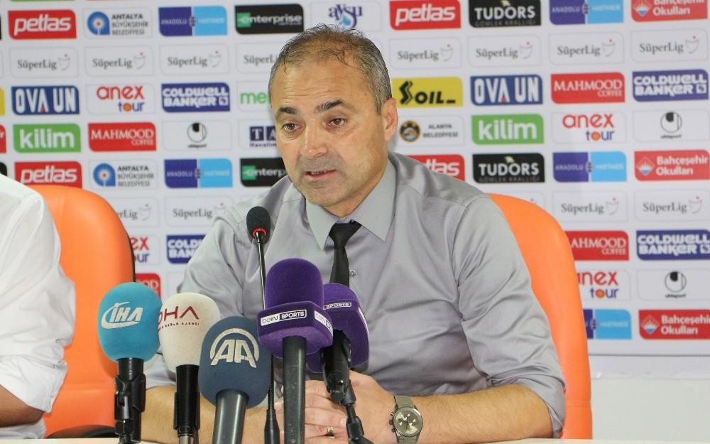 """Teknik Direktör Erkan Sözeri: """"3 puan almamız gereken bir maç gibi gözüktü"""""""